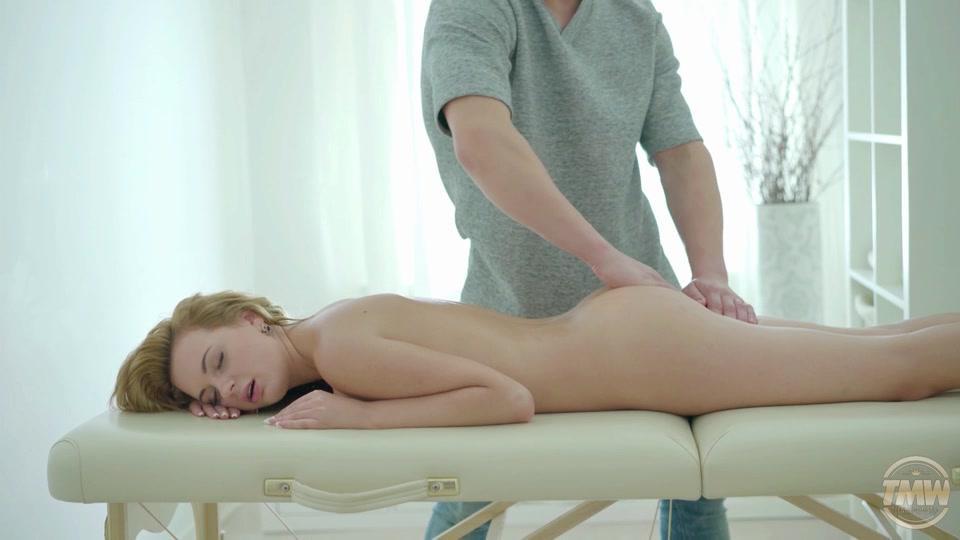 Tricky masseur massage orgasm too
